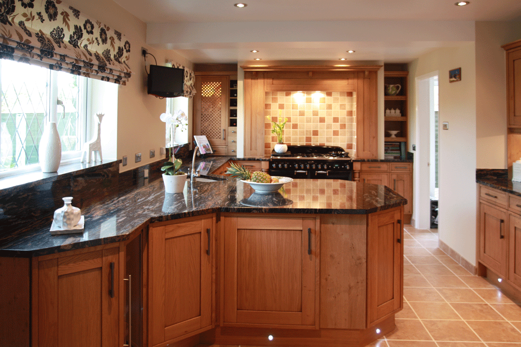 Oak fitted kitchens